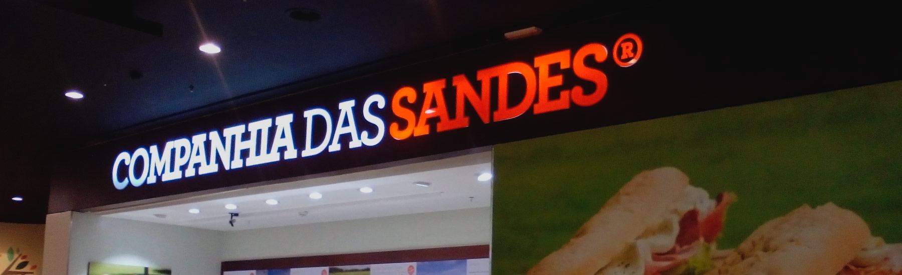 CAIXAS DE LUZ DE GRANDES E PEQUENAS DIMENSÕES